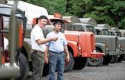 Die Begeisterung für Saurer-Lastwagen war bei den Mitorganisatoren Andreas Graf (links) und Matthias Eicher gestern in Schüpfheim deutlich spürbar. (Bild Corinne Glanzmann)