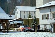 Schauplatz des Dramas war das mehrstöckige Wohnhaus in der Bildmitte. (Bild: Pius Amrein / Neue LZ)