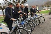Die Vertreter der sechs Gemeinden, die die Kampagne «take a bike» lancieren. (Bild: Oliver Mattmann)