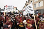 Auch die Schuepfer Guuger beteiligten sich an einer Kundgebung gegen die kantonalen Sparpläne. (Bild: Jakob Ineichen (Schüpfheim, 11. Februar 2018))