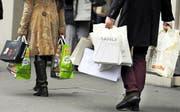 Länger einkaufen, als das Gesetz vorschreibt? Darüber wird im Luzerner Stadtrat diskutiert. (Bild: Keystone)