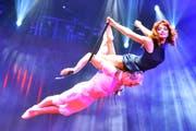 Das Duo «Desire of Flight», hier bei der Premiere in Rapperswil. (Bild: Walter Bieri / Keystone (23. März 2017))