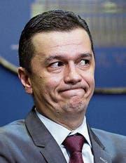 Der rumänische Premier Sorin Grindeanu soll abtreten. (Bild: EPA)