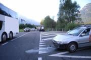 Am Auto und am Car entstand ein Sachschaden von rund 30'000 Franken. (Bild: Kapo Uri)