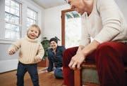 Seit diesem Jahr dürfen gleichgeschlechtliche Paare Stiefkinder adoptieren. (Bild: Getty)
