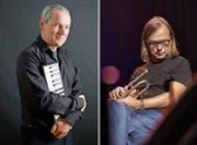 John Wolf Brennan (links) und Peter Schärli werden mit eigenen Kompositionen in Altdorf auftreten. (Bilder: Alpentöne)