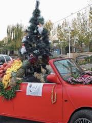 Die Iraner setzen auf kulturelle Fusion: Das Lichterfest Yalda mit den fruchtigen Dekors trifft auf den christlichen Weihnachtsbaum.