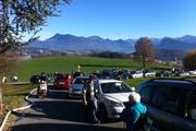 Am Sonnenberg entstand ein kleines Verkehrschaos. (Bild: Leserbild / Jean-Philippe Cremona)