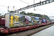 Das Projekt «rollende Fahrbahn» beinhaltet die 4-Meter-Eckhöhe auf der bestehenden Gotthardstrecke, auf der auch die Rindelfluhtunnels liegen. (Bild: Erhard Gick / Neue SZ)