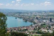 Sicht vom Zugerberg auf die Stadt Zug. (Bild: Maria Schmid (Zug, 9. Juli 2016))