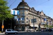 Im damaligen Hotel Anker am Pilatusplatz ereignete sich im November 2012 der Überfall auf eine Touristengruppe. (Bild: Archiv Neue LZ)
