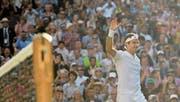Zufrieden und ohne Satzverlust im Halbfinal: Roger Federer nach seinem Triumph gegen Milos Raonic. (Bild: Oliver Will/EPA (Wimbledon, 12. Juli 2017))