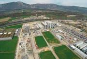 Rar gewordenes Erfolgsbeispiel: Der Pharmakonzern Biogen baut in Luterbach SO eine Produktionsanlage auf 22 Hektaren. (Bild: Biogen/PD)