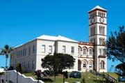 Hier wird über das Schicksal der Salle Modulable entschieden: Gerichtsgebäude in Hamilton, der Hauptstadt von Bermuda. (Bild: Jon Dawson)
