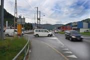 Seit 2007 ist die Entschärfung der gefährlichen Kreuzung in Dallenwil ein Thema. Der geplante Bau eines Kreisels ist vorderhand blockiert. (Bild: Corinne Glanzmann / Neue NZ)
