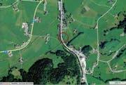 Die Unfallstelle in Schüpfheim auf der Höhe der Flühlistrasse 21 (rot eingekreist). (Karte mapsearch.ch)