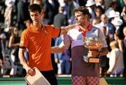 7. Juni 2015 in Paris: Novak Djokovic (links) war nach der Finalniederlage gegen den Schweizer Stan Wawrinka «am Boden zerstört», wie sein Trainer Boris Becker erzählt. (Bild: Getty/Dan Istitene)