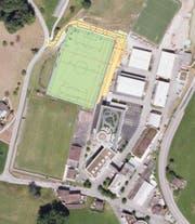 Standort Weiher, unten die bestehende «Thermoplan-Arena», oben das neue Kunststoffrasen-Normfeld. (Bild: zvg)