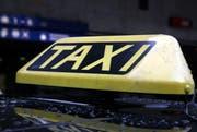 Der festgenommene Mann arbeitete als selbstständiger Taxifahrer. (Bild: Werner Schelbert / Archiv Neue ZZ)