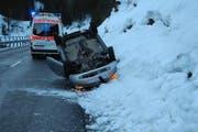 Die Unfallstelle in Alpthal. (Bild: Kantonspolizei Schwyz)