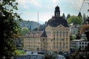 Das Hauptgebäude der Suva in der Stadt Luzern. (Bild: Boris Bürgisser)