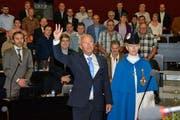 Paul Winiker schwört den Eid. Er wurde zu Beginn des zweiten Tages der Session des Luzerner Kantonsrates als Regierungsrat vereidigt. Er übernimmt am 1. Juli 2015 das Justiz- und Sicherheitsdepartement von Yvonne Schärli-Gerig. (Bild: pd)