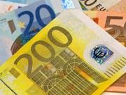 Rund 600 Millionen Euro hat die Europäische Union 2016 durch Betrug verloren. (Symbolbild) (Bild: KEYSTONE/EPA/BORIS ROESSLER)