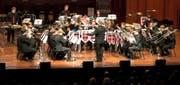 Die Brass Band Seetal Luzern bei ihrem Auftritt im November 2013 am Schweizerischen Brass-Band-Wettbewerb in Montreux. Bei den Seetalern ist die Dirigentenstelle mit Pirmin Hodel besetzt. (Bild Philippe Dutoit)