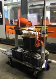 Gesucht: einen solchen Putzwagen. (Bild: Kantonspolizei Schwyz)