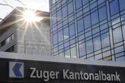 Die Zuger Kantonalbank zahlt Geld zurück. (Bild: Archiv)
