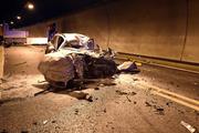 Der Personenwagen erlitt durch den Unfall einen Totalschaden. (Bild: Kantonspolizei Obwalden)