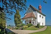 Zieht verschiedene Menschen an: Die St.-Blasius-Kapelle in Burgrain. (Bild: Pius Amrein / Neue LZ)
