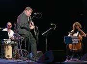 Eine der intimeren Darbietungen der diesjährigen Stanser Musiktage: Klarinettist Rolf Kühn (87) und sein Trio. (Bild: André Niederberger (29. April 2017))