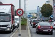 Unter anderem wollen die sieben Gemeinden die Verkehrsentwicklung regional gestalten. Im Bild dichter Verkehr auf der Luzernerstrasse in Ebikon. (Bild: Dominik Wunderli / Neue LZ)