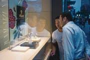 Uhren sind besonders in asiatischen Ländern ein schweizerischer Verkaufsschlager. (Bild: Fred Dufour/AFP (Peking, 5. September 2015))