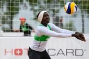 Aminata Turay aus Sierra Leone nahm in Luzern an der U-21-Weltmeisterschaft der Beachvolleyballer teil. Danach verliert sich ihre Spur. (Bild FIVB)