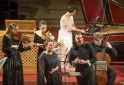 Fulminante Emotionalität: Sopranistin Julia Lezhneva und Countertenor Dmitry Sinkovsky in der Hofkirche. (Bild: Priska Ketterer/LF (17. März 2018))
