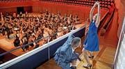 Das Zentralschweizer Jugendsinfonieorchester bot im KKL «erwachsene Qualität» und auch etwas fürs Auge. (Bild: Corinne Glanzmann (18. September 2016))