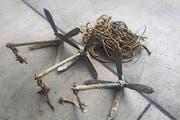 Gut möglich, dass die gefundenen drei Anker zur Kunstinstallation gehört haben. (Bild: pd)