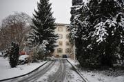 Der Obwaldner Kantonsrat stimmt der Zusammenarbeit bei der Psychiatrieversorgung zu. Im Bild: Das Gebäude der Psychiatrie in Sarnen. (Bild: Corinne Glanzmann / Neue OZ)