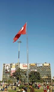 Das damals von Gezi-Aktivisten besetzte Atatürk-Kulturzentrum im Jahr 2013. (Bild: Yasin Sakal/Flickr Vision)