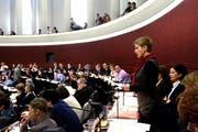 Luzerner Parlamentarier, hier im Kantonsratssaal letzte Woche, müssen ihre Interessenbindungen transparent machen. (Bild: Nadia Schärli / Neue LZ)