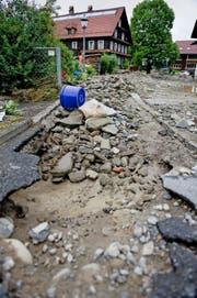 Eine Spur der Verwüstung hinterliess der Götzentalbach im Juni in Dierikon. (Bild Corinne Glanzmann)