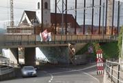 Brücke vom Gerbiweg über die Vorderbergstrasse wird repariert. (Bild: Google Street View)