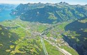 Eine neue Strasse soll das Siedlungsgebiet im Urner Talboden vom Verkehr entlasten. (Bild: PD)