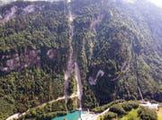 Sicht auf den 110% steilen Hang und alle drei Tunnels. (Bild: PD)