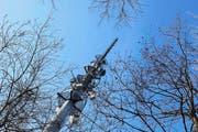 Wird bald zu einer Polycom-Antenne aufgerüstet: der Antennenmast auf dem Zugerberg. (Bild: Stefan Kaiser / Neue ZZ)