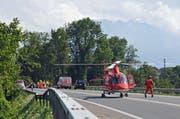 Der verheerende Unfall vom Sonntag kostete drei Menschenleben. Doch von Leitplanken will der Bund nichts wissen. (Bild: Robert Hess / Neue OZ)