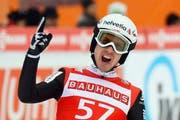 Simon Ammann, hier beim Skispringen am Sonntag in Titisee-Neustadt, wo der Toggenburger auf Rang zwei flog. (Bild: Keystone)