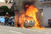 Das Auto brannte vollständig aus. (Bild Feuerwehr Michelsamt)